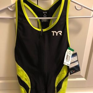 TYR Tops - NWT TYR triathlon tank